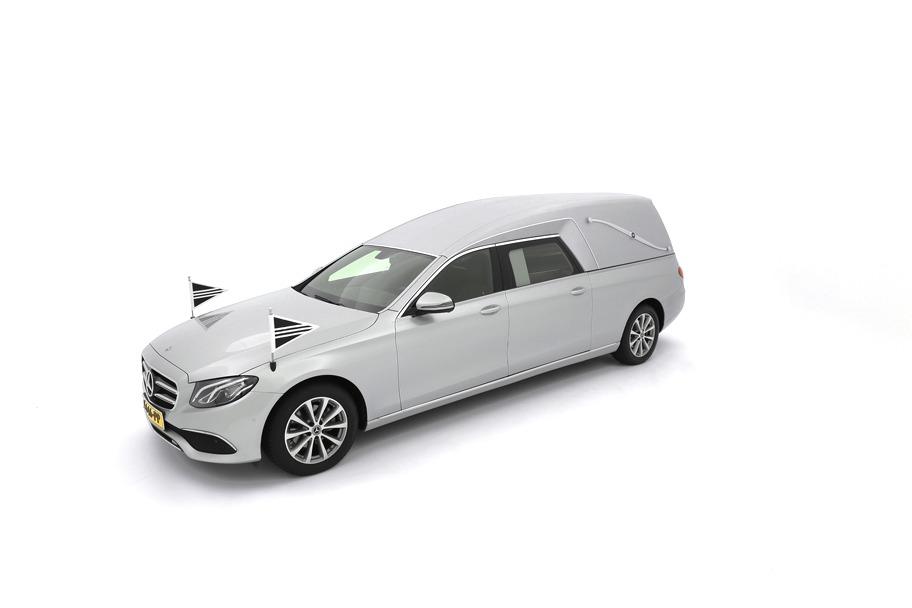 Mercedes-Benz E-klasse zilvergrijs model W213